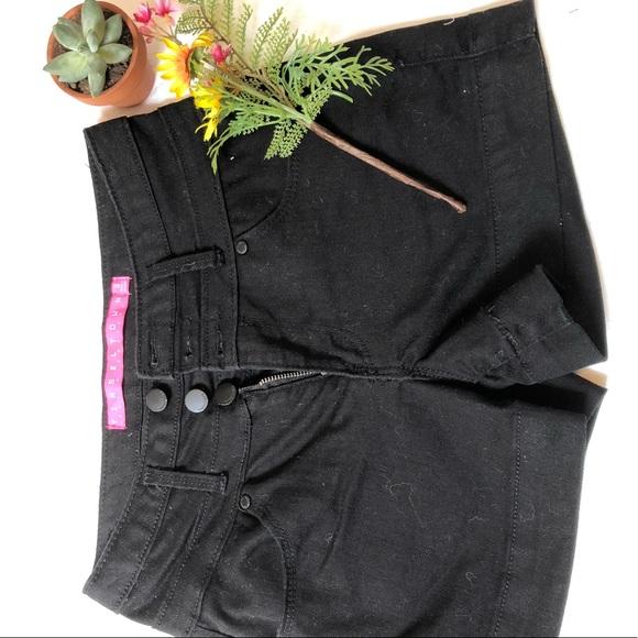 Tinseltown Pants - Black jean shorts